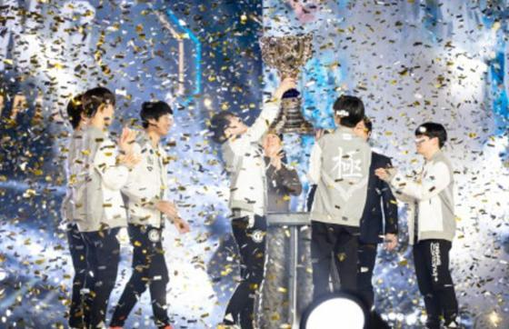 中国电竞有多强?除了IG拿下了S赛冠军,这些项目一样不可忽略!