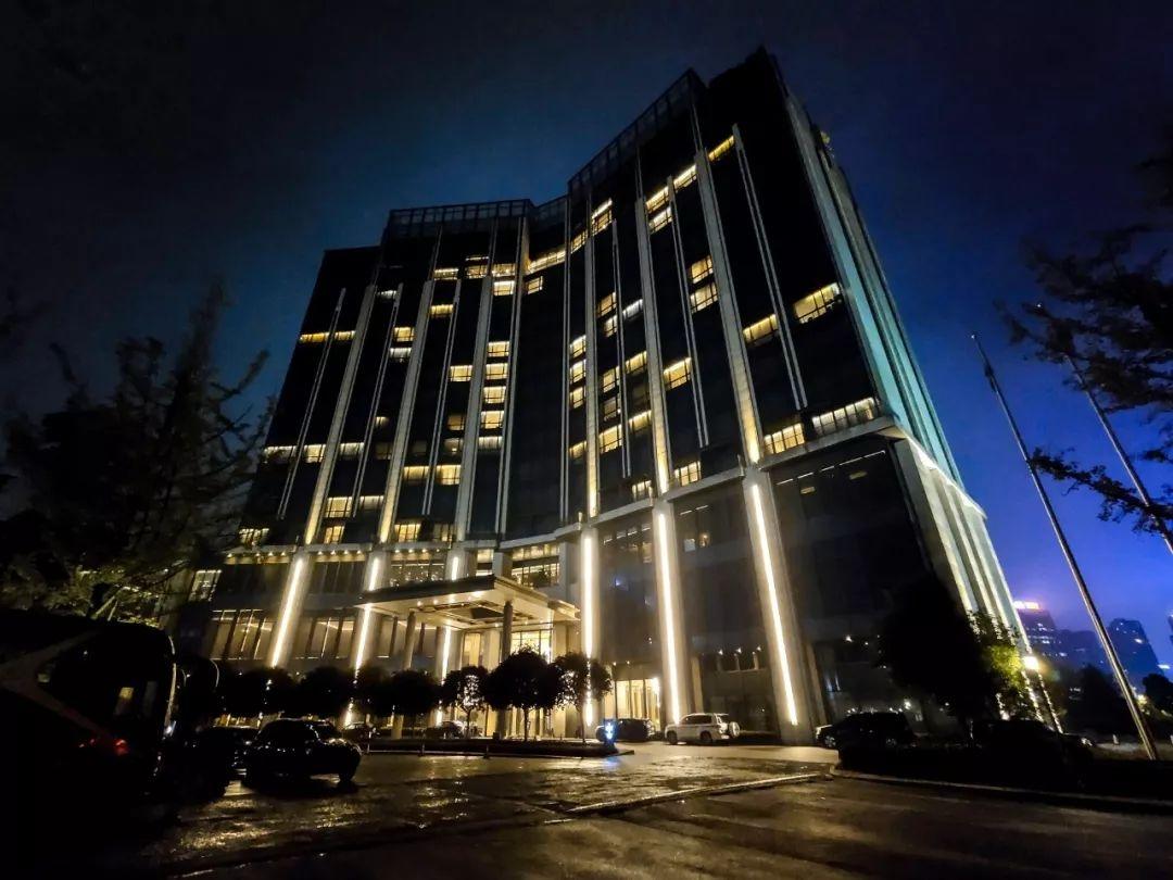 金装大酒店
