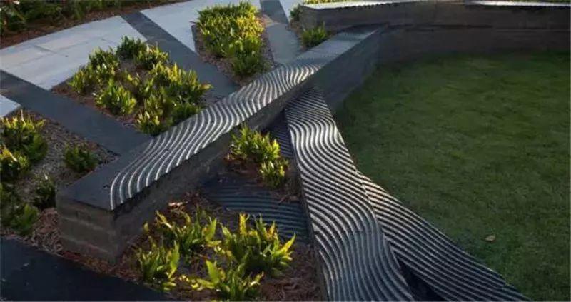 条石可以做景观小品,可以做为功能石凳,可以做汀步等等.
