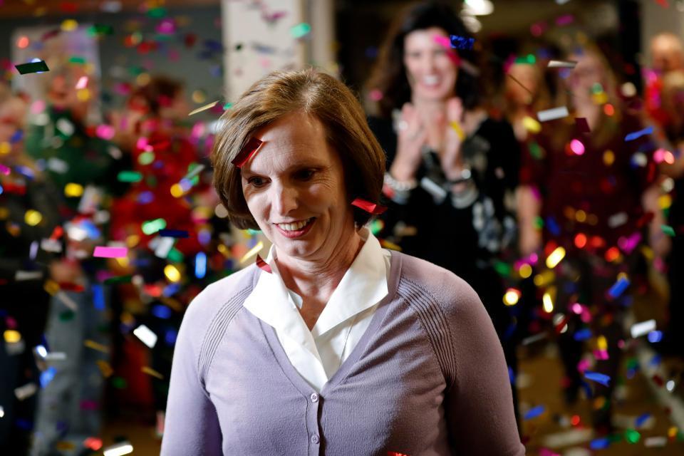 圍觀錦鯉!51歲單親媽媽中了1.9億美元巨獎,她的人生也很勵志