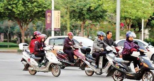 别任性 赣州二轮车主注意,这样骑车很危险,这几天480多人被罚