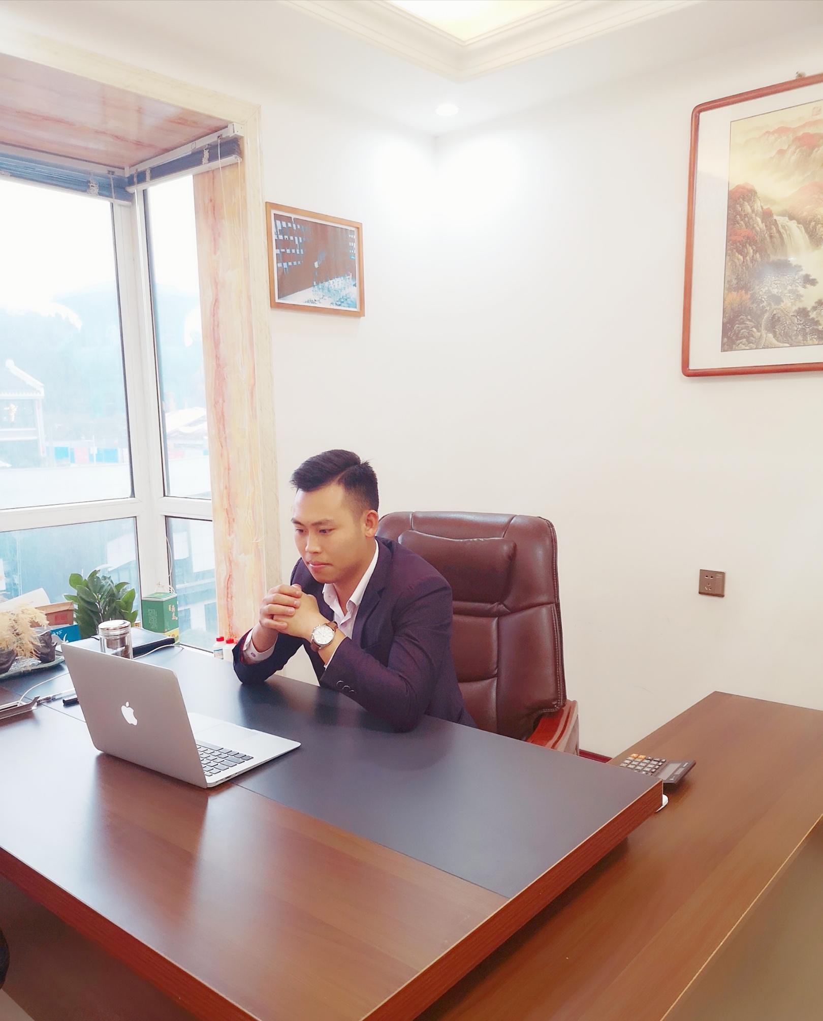 贵州茅台黄金液酒业有限公司董事长——刘杰_销售