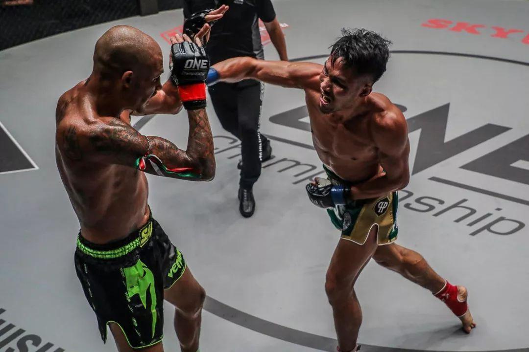 2018年11月9日ONE冠军赛:雄狮之心 - 直播[视频] 佩托西奥出战