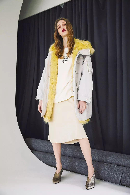 """3分钟get今年流行啥样的""""冬季外套""""?照着买,好看又时髦"""