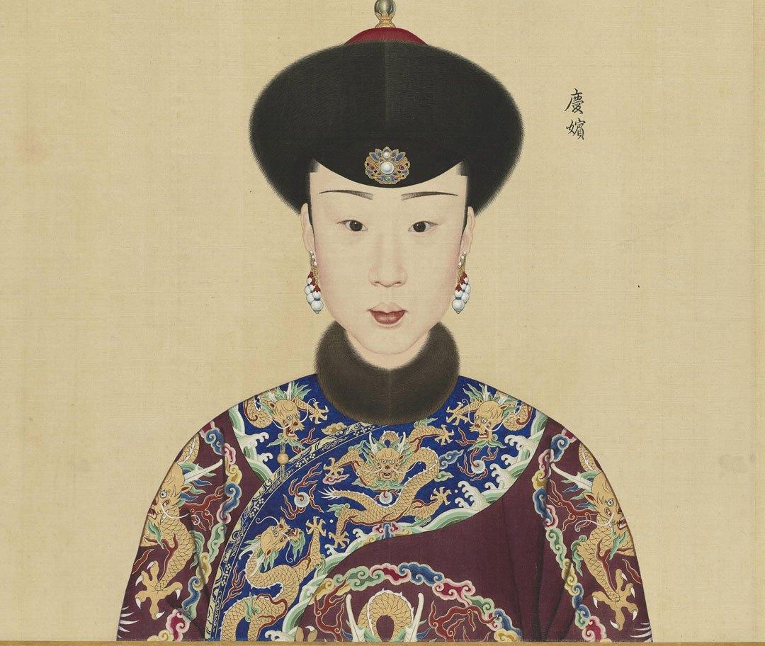 乾隆帝后宫妃嫔画像: 乾隆下旨,偷看者凌迟处死图片