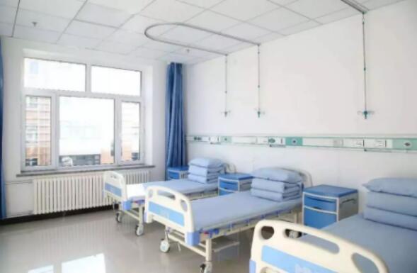 宝清县瑞康医院冬日暖心为公益在线记录者免费体检