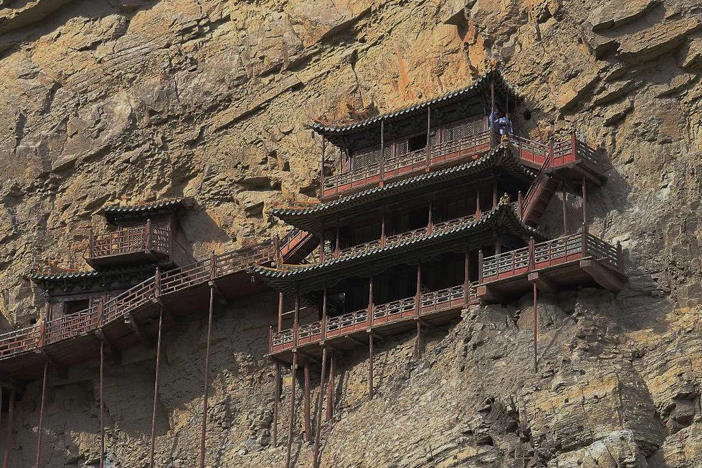 国内仅存的三教合一寺庙:建在90度悬崖上,1500年完好未损