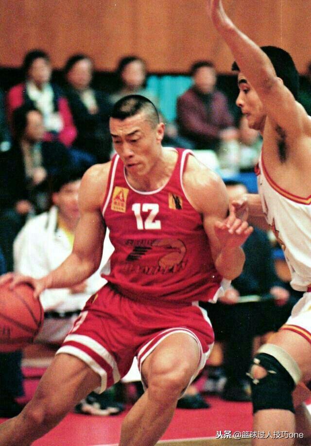 中国历史最强壮的前锋!最大荣誉却是外援MVP,追梦NBA遗憾
