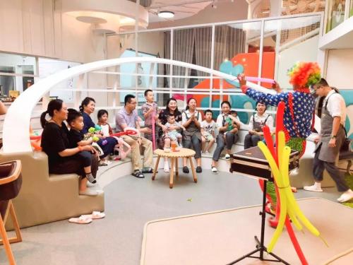 国内首家瑞奇宝宝亲子餐厅盛大开业 场面火爆