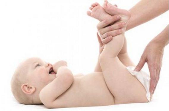 """48天的儿子断奶了,真是""""自作聪明""""害人害己,遇到""""母乳性腹泻"""",新手妈妈应该怎么办?"""