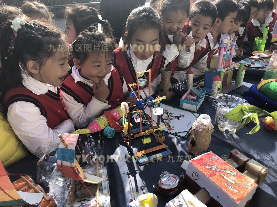 脑洞大开创意十足 孩子们脑中的未来世界长这样