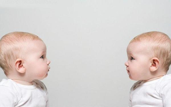 双胞胎先出生的是老大?可怜老二委屈了这么多年,其实他才是老大 - 张庆瑞65 - 百纳袈裟