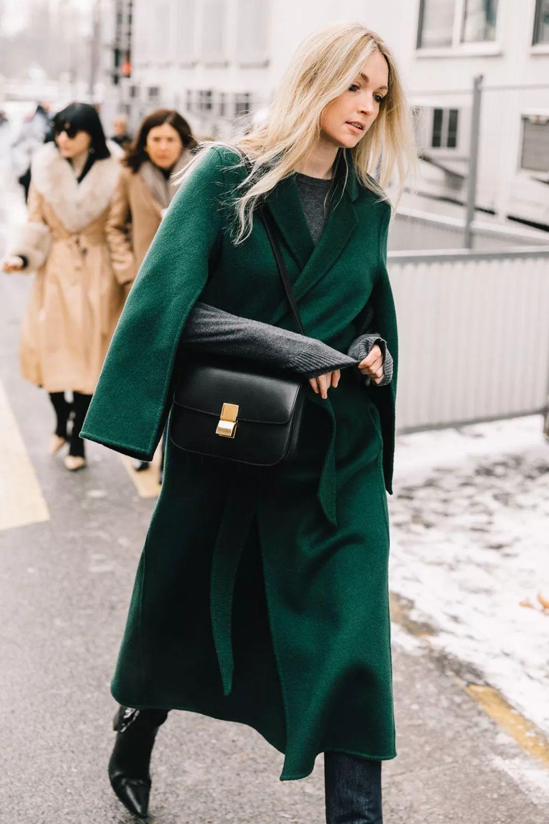 大衣里面穿什么最有型?七种内搭助你时髦温暖整个秋冬!