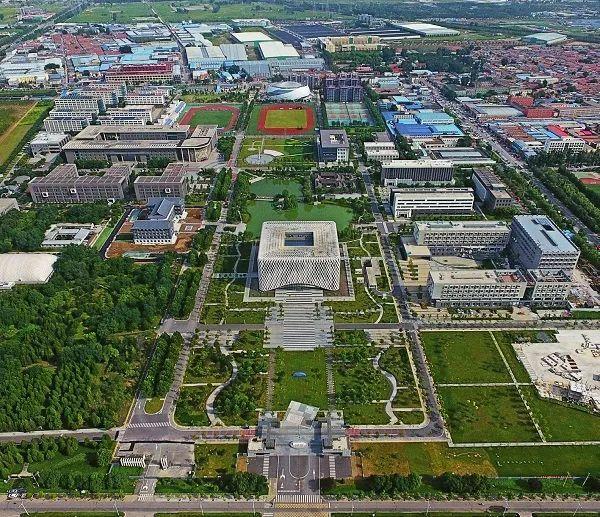 1.北京建筑大学新校区空中俯视图