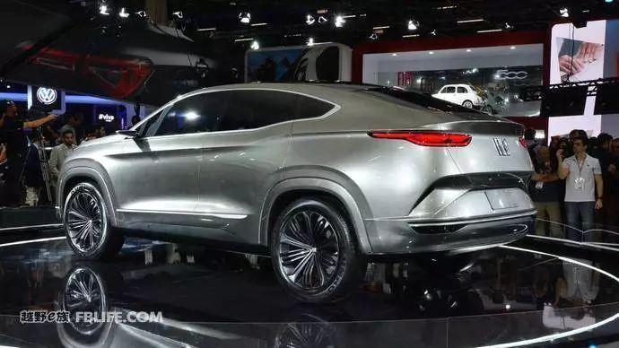 这个分体式前脸设计还不错菲亚特Fastback概念SUV亮相_新凤凰彩票