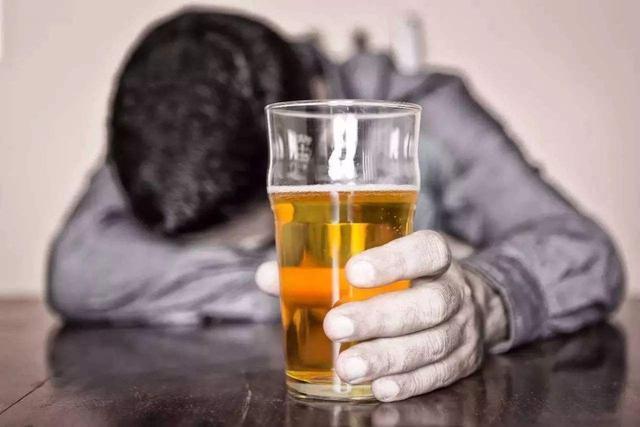 冬天每天都喝一杯紅酒,能預防心血管疾病嗎?很多人都沒喝對