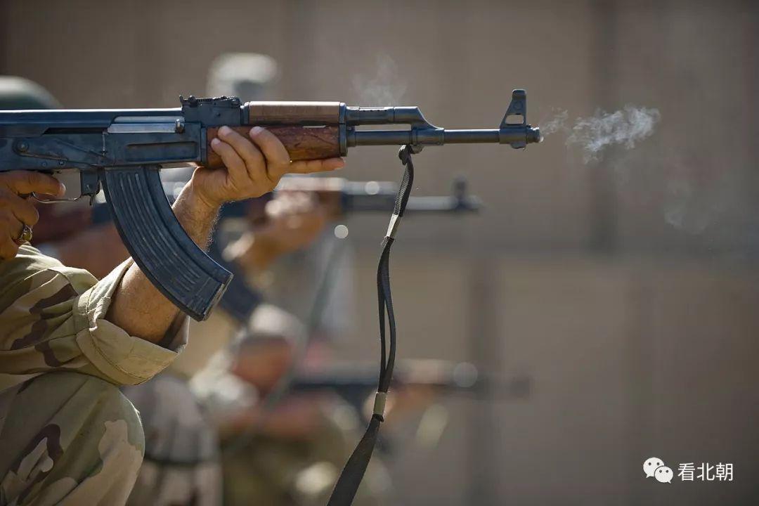 国际货�9ak9c_ak47如果提前装备能改变二战吗?突击步枪带来多大战术