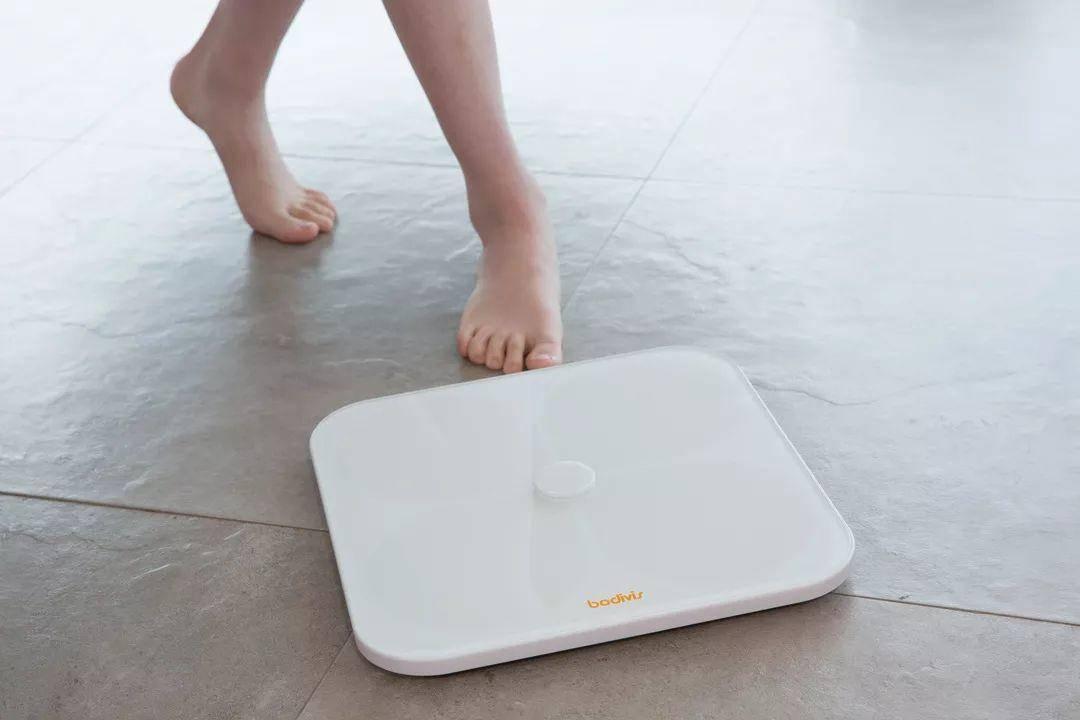 365bet体育投注,减肥健身,好体知体脂秤M1能够检测出21项身体数据