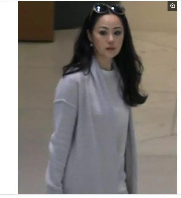 真妖孽、初代美妆icon、终极时尚博主   章小蕙开公众号啦