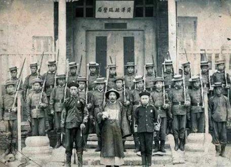 """此国跟中国一样曾被叫""""病夫"""",如今中国已强盛,而它已彻底亡国"""