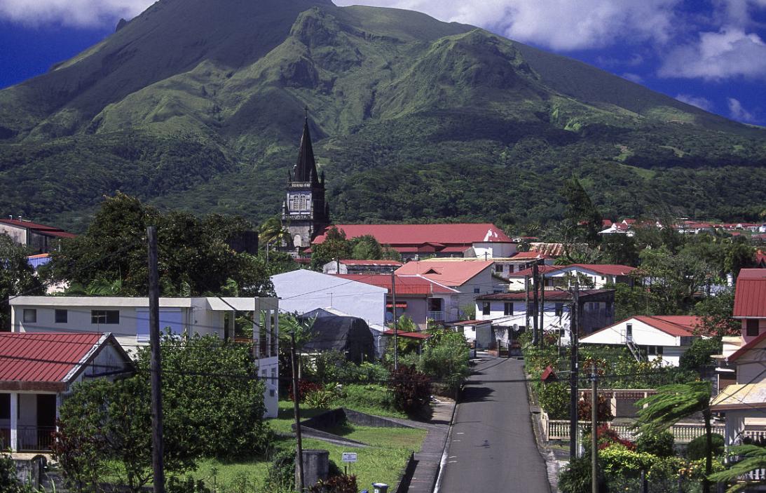 南美這個小島的女人平均身高1.75,難道是因為它?科學家說出真相