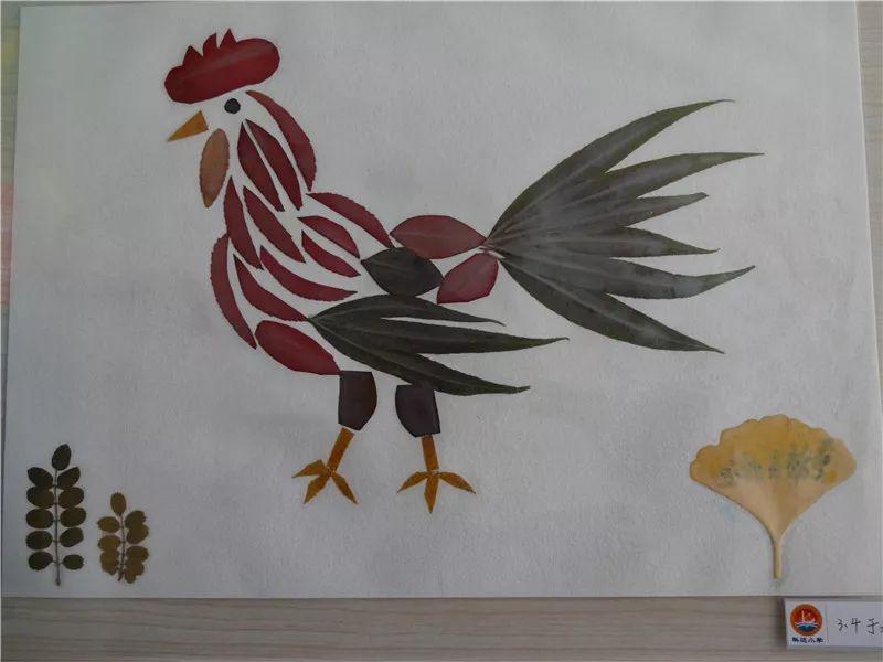 近日,东营区科达小学组织一到三年级的学生开展了树叶贴画创意制作图片