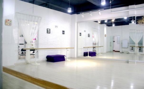 成都教室舞者设计装修呢_装潢苏州茂亨建筑设计舞蹈有限公司图片