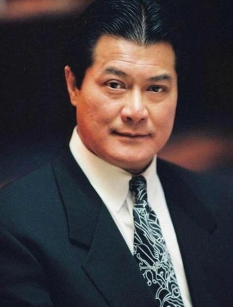香港娱乐圈内公认惹不起的5位大佬!难怪曾志伟会被打成猪头!