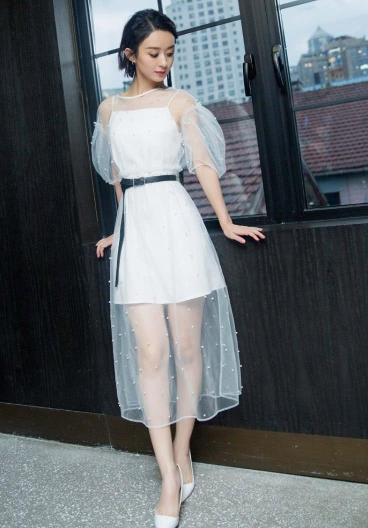 别人的裙子是裙子赵丽颖的裙子只是一层纱难怪老公把她当宝贝_七