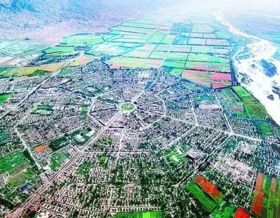 在新疆的一个小县城有多少人口