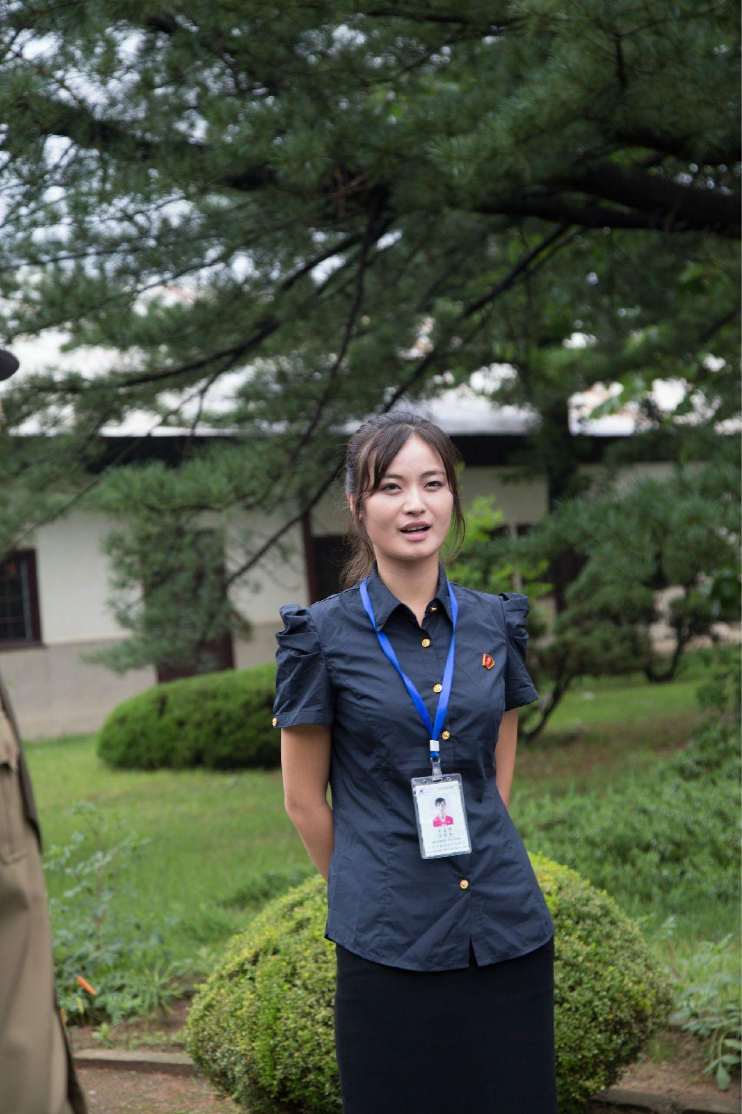 朝鮮酒店服務員:不但顏值很高,而且很多都是高材生