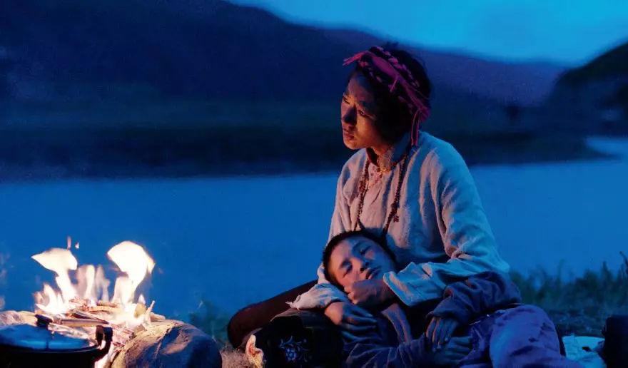 很色的电影_这部诠释生命终极问题的西藏电影,评价很好,排片很少_容中尔甲