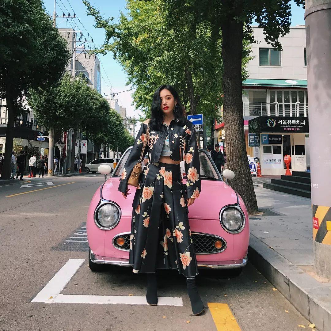 这个36岁高龄的日本网红小姐姐,火到半个日韩娱乐圈都是她的好朋友
