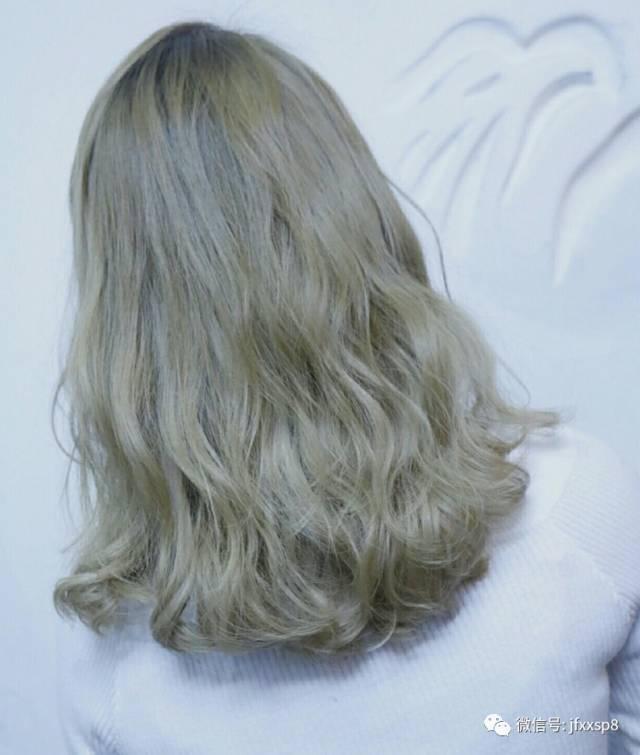 """2018发型人气""""没有最红""""扎头发烫发痕迹说明发质好吗图片"""