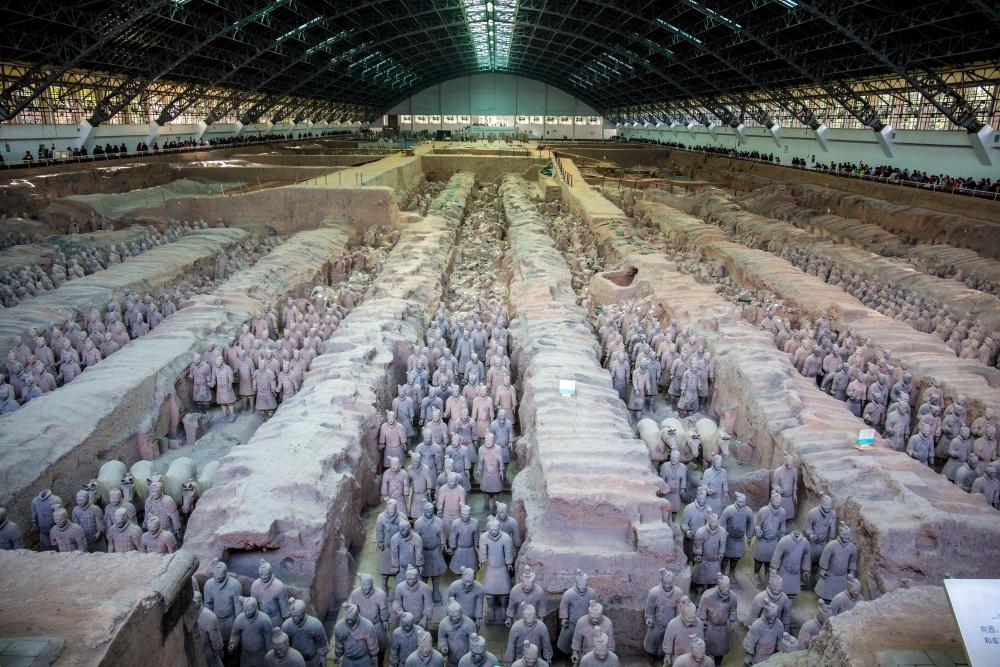 世界十大古墓之一:为什么秦兵马俑都是单眼皮,真相霸气