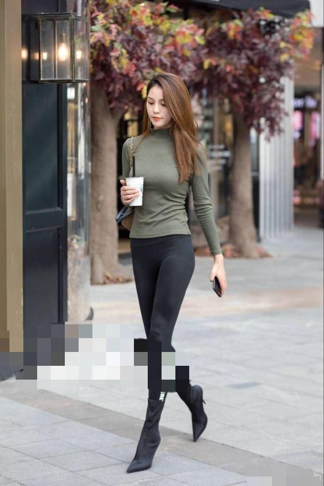 哈森男鞋_过膝高筒靴美女_街拍高筒靴美女_超长过膝长靴美女-久久图片视频
