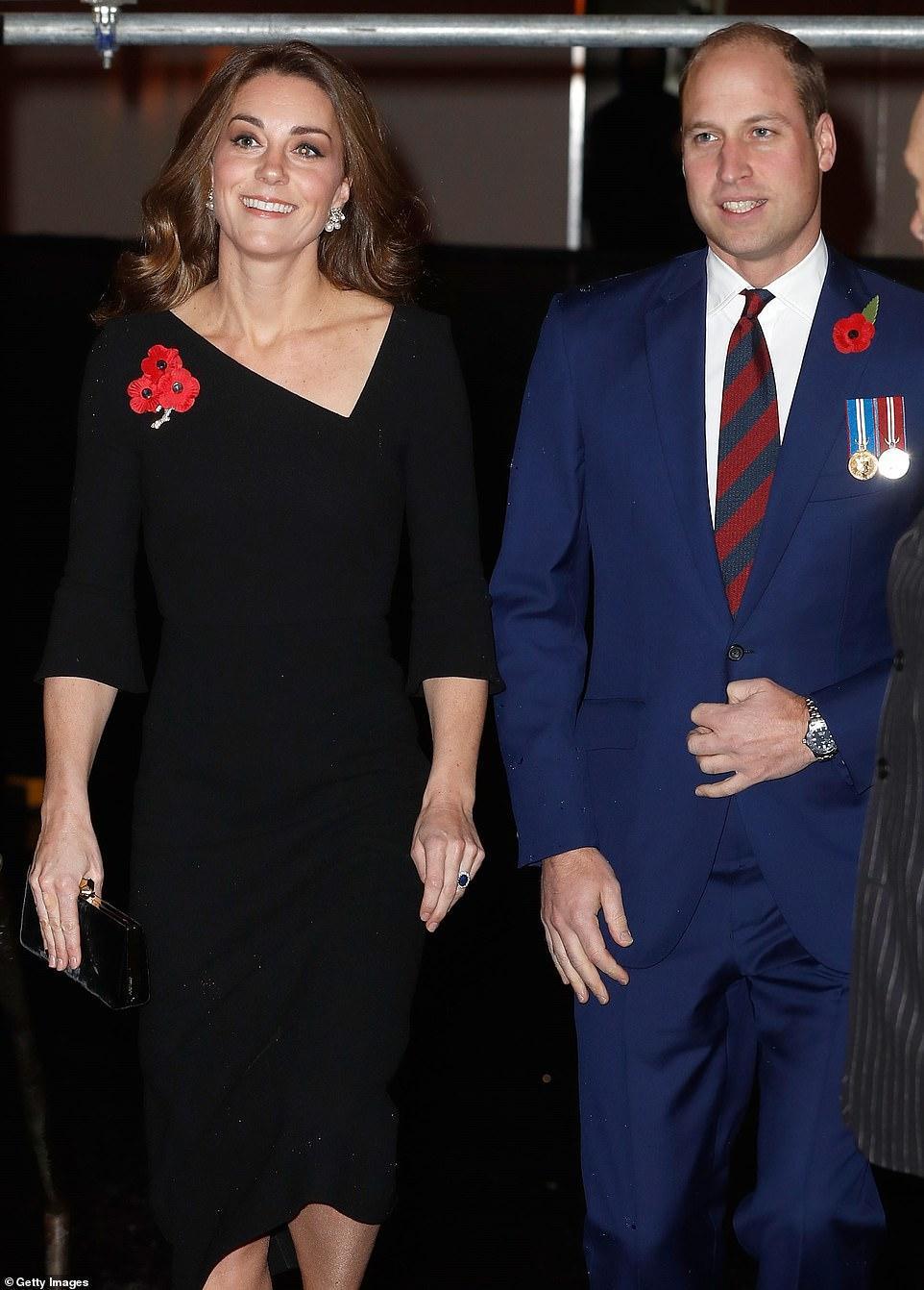 王室齊聚紀念日活動,凱特好少女梅根胖了些,卡米拉笑得最開心 時尚 第4張