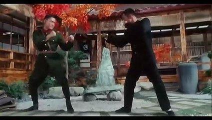 真打李連杰根本打不過他,拍戲時總怕傷到李連杰,他曾是世界拳王