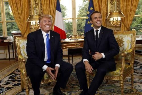 剧情又变了?特朗普和马克龙握手言和,真相究竟怎么回事?