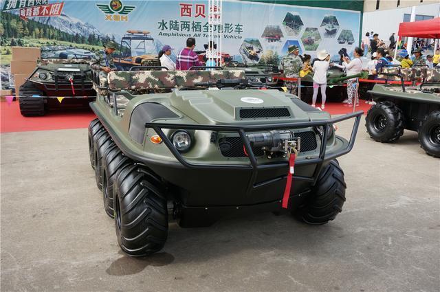 只卖25万的国产越野神器八轮驱动水陆两栖悍马都自叹不如_凤凰彩