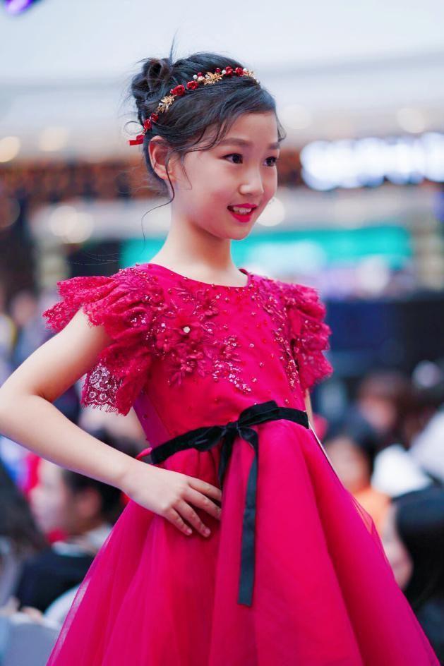 小苏宁模特图片