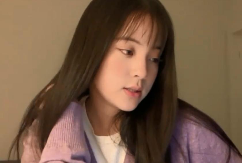 欧阳娜娜剪完空气刘海,看到她的表情,网友:长大后你就图片
