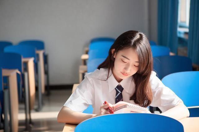 为何女生进入高中后学习成绩越来越差,是她们不努力吗?