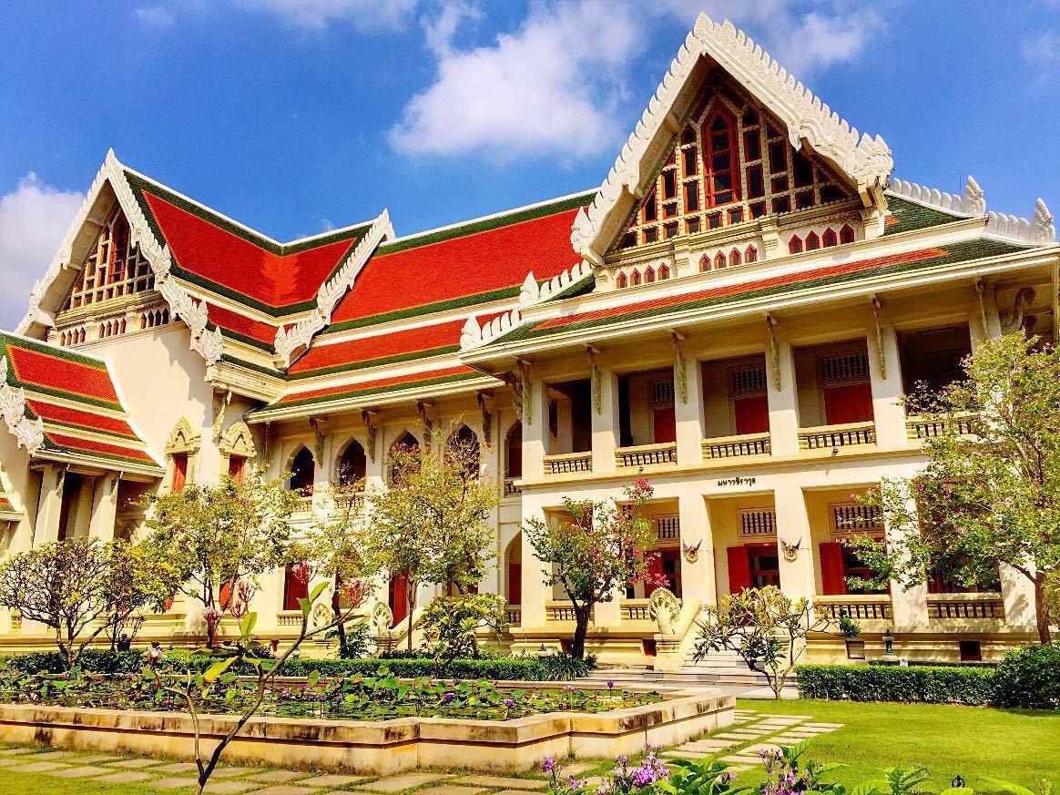 泰国留学奖学金好申请吗?看完各校的规定你就懂了