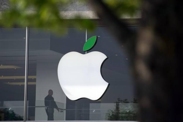 iPhoneXR价格一降再降,首批购买用户:后悔了!