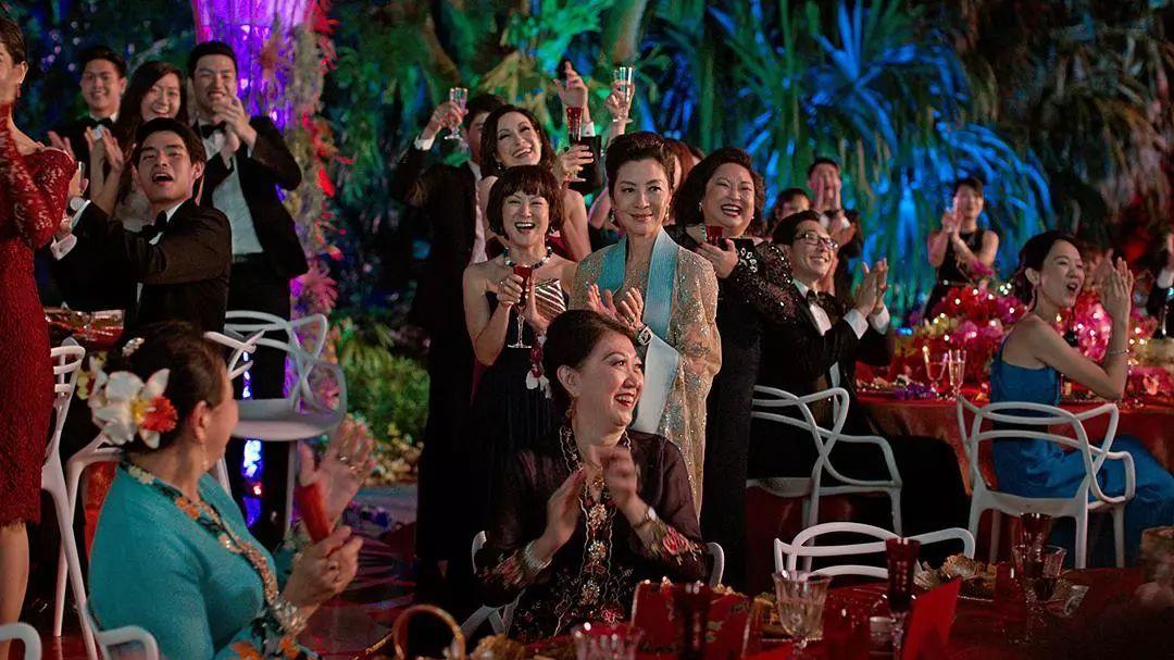 """嘉玛·陈  文/舒十六 25年后,又一部 """"全亚裔阵容""""的电影《摘金奇缘》"""