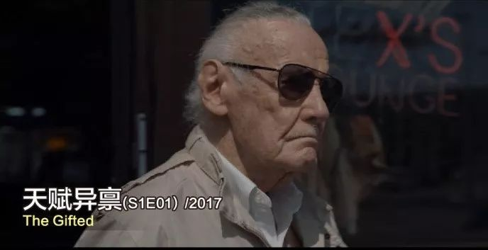 2017年《雷神3》:理发师stan lee老师,给雷神剪头发图片