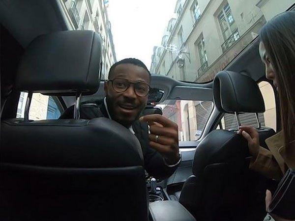 泰游客被巴黎出租车司机锁车内要挟高额车费