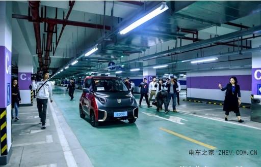 智能驾驶新时代到来驭势科技携手上汽通用五菱交付业内首款智能泊