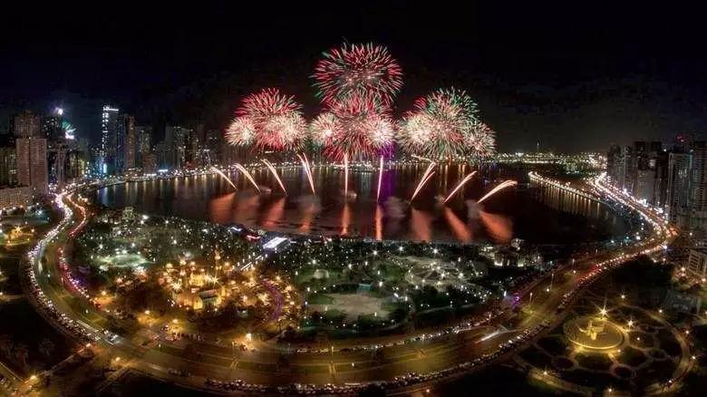被联合国表彰的沙迦,决定11月19日来一场烟花庆祝狂欢节